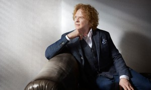"Interview: Mick Hucknall ""Simply Red"""