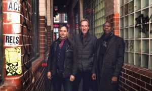 Out of the Blue – MIKE & THE MECHANICS