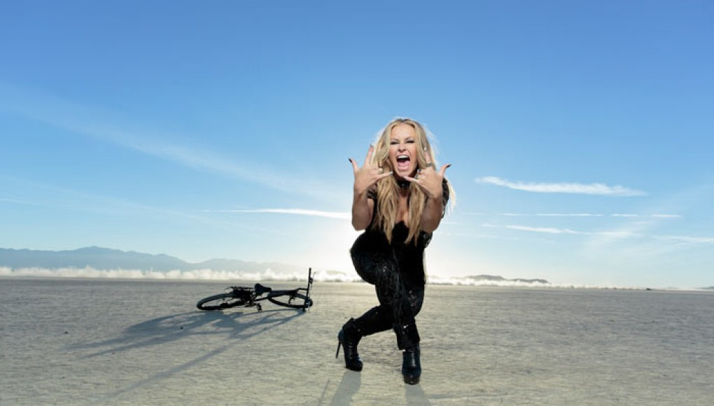 "Videopremiere! ANASTACIA ""STUPID LITTLE THINGS"""