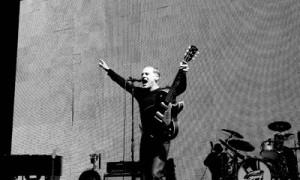 """Bryan Adams schickt Berlin auf """"Cloud 9"""""""