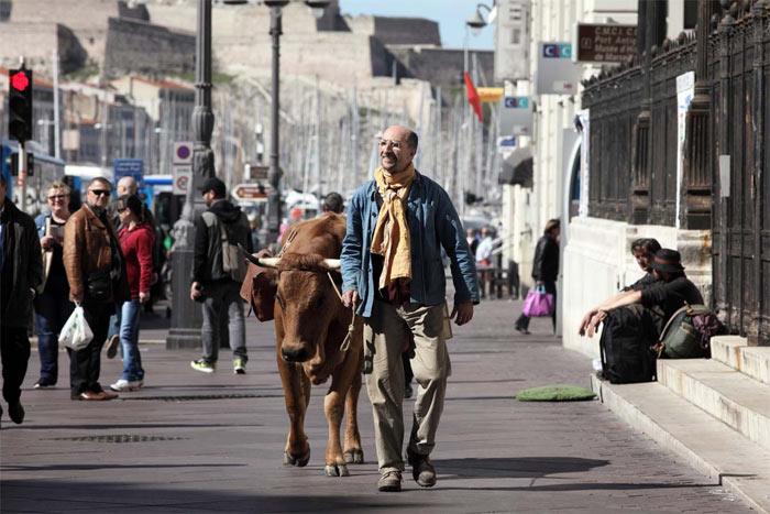 fatah-und-Jacqueline-auf-den-Strassen-von-Marseille