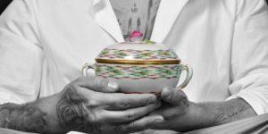 Porcelain Couture – Porzellan trifft Mode von Chanel bis Yves Saint Laurent