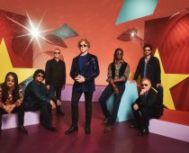 Simply Red: Blue-Eyed Soul