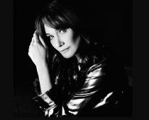 Carla Bruni: Quelque Chose – neue Single